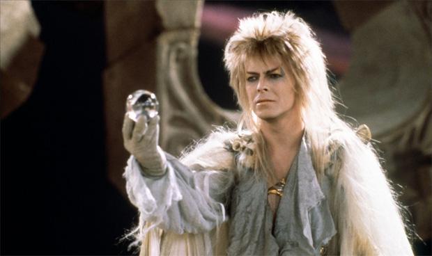 Per non parlare della sua folgorante carriera nel cinema! Dov'eravate quando recitava Jareth o The Man Who Fell to Earth? Dove?