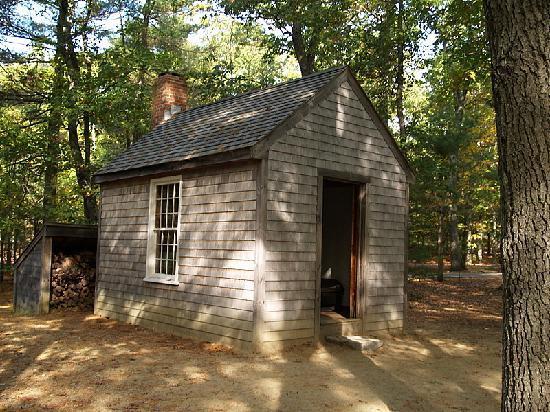 Capanna di Thoureau, da lui costruita vicino alle sponde del lago Walden, nei pressi di Concord.