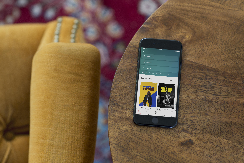 Airbnb si fa le foto su instagram sfuocando il tappeto come voi.