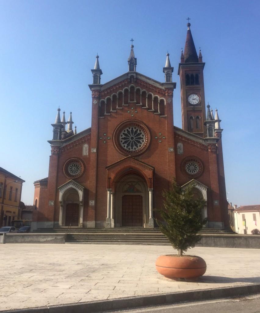 Foto segnaletica della chiesa di Pescarolo per il vostro viaggio in Eritrea.