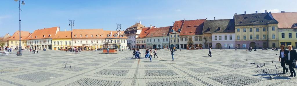 Piata Mare - la Piazza Grande