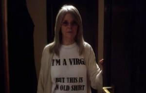 Suor Mary con laT-shirt inflazionata per fare colore