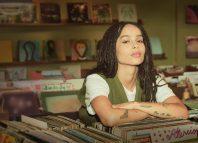 Zoe Kravitz nella serie Alta Fedeltà